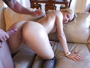 Blonde Mary Anne fucked in the ass – Arschfick, blasen und schlucken